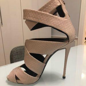 Authentic Giuseppe Zanotti blush platform sandals!